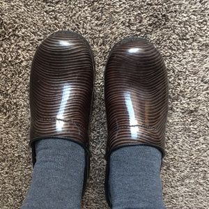 Dansko XP leather, slip resistant clogs